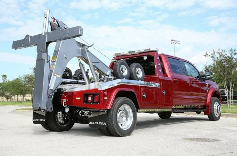 How Can a Towing Service Aid You?